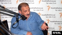 Azerbaijan – Journalist Rauf Mirkadirov at the RFE/RL studio in Baku, 14Sep2009