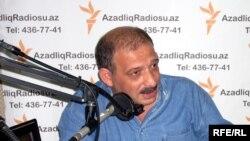 Рауф Миркадыров в студии АзадлыгРадиосу, 2009