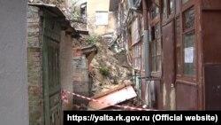 Ликвидация последствий обрушения подпорной стены в переулке Ломоносова