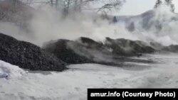 """""""Дамба"""" из угольного шлака в амурском поселке Экимчан"""