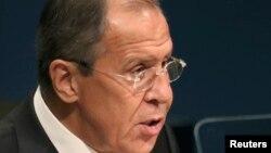 لاوروف: ما از مهماتی که از سوی سازمان ملل متحد منع شده استفاده نمیکنیم.