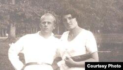 Борис Родос з дружиною Ревеккою Ратнер