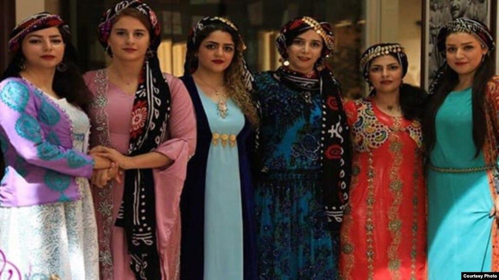 اعضای گروه موسیقی بانوان «گلاریس» در کرمانشاه