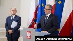 Президент Польши Бронислав Коморовский выступает на заседании Совета национальной безопасности, посвященном новой военной доктрине России