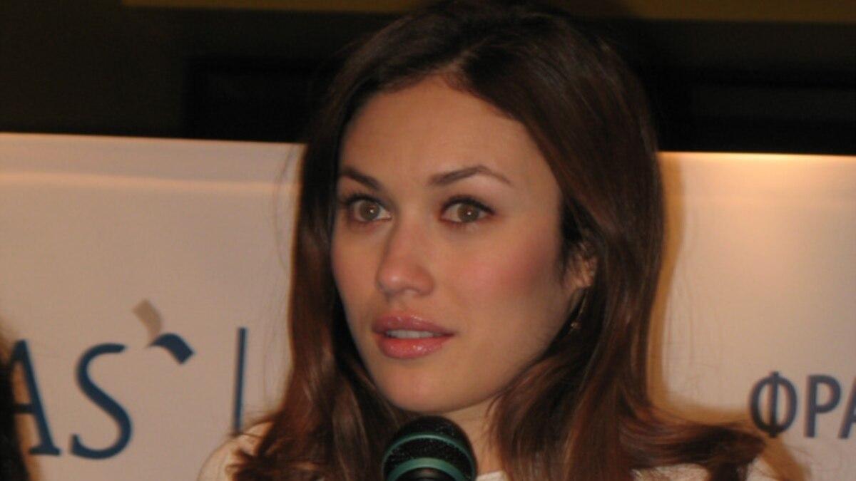 Актриса Ольга Куриленко заявила, что выздоровела от COVID-19