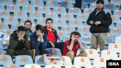 هواداران پرسپولیس پس از باخت سنگین تیم خود در برابر تراکتورسازی تبریز.