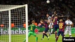 Գերմանիա - «Բարսելոնա» - «Յուվենտուս» խաղում Լուիս Սուարեսը երկրորդ գնդակն է ուղարկում Թուրինի ակումբի դարպասը, Բեռլին, 6-ը հունիսի, 2015թ.