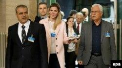 سویټزرلېڼد:په شام کې د اپوزیشن مشر اسد ال ذوبولي د ملګرو ملتونو ځانګړي استازي سټفان دې مستورا سره یوځای د جوړجاړي خبرو ته پر لار دی