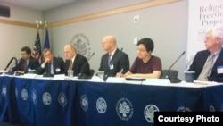 مشاركون في ندوة بالمعهد الأميركي للسلام