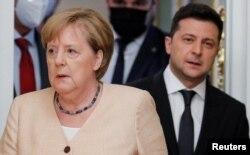 Nemačka kancelarka Angela Merkel i ukrajinski predsednik Volodimir Zelenski posle sastanka u Kijevu ranije ovog meseca.