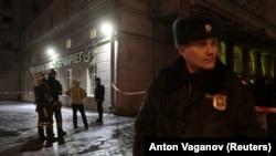 Полиция на месте происшествия в Санкт-Петербурге, 27 декабря 2017