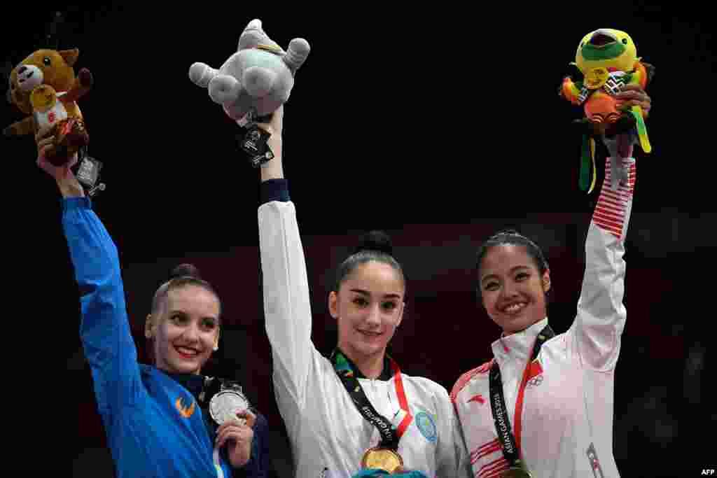 Алина Әділханова көркем гимнастикадан жекелей сында алтын жүлдеге ие болды. 28 тамыз 2018 жыл.