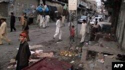 Pamje pas një eksplodimi të mëparshëm në Paraçinar të Pakistanit