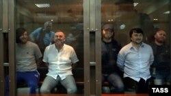 Обвиняемые в убийстве Анны Политковской во время оглашения приговора в Мосгорсуде