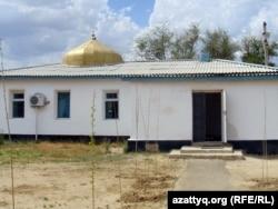 """Мечеть """"Акмечеть"""" в селе Шубарши Актюбиснкой области, 14 мая 2012 года."""
