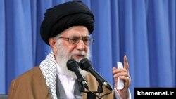 Аятолла Әли Хаменеи, Иранның рухани көсемі.