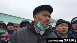 Работники Oil Construction Company во время голодовки протеста с требованием зарегистрировать Конфедерацию независимых профсоюзов. Актау, 18 января 2017 года.