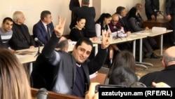 Արթուր Վարդանյանը դատական նիստի ժամանակ, արխիվ