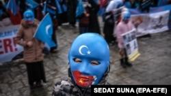Tüntetés az ujgurok üldözése ellen Isztambulban, március 25-én