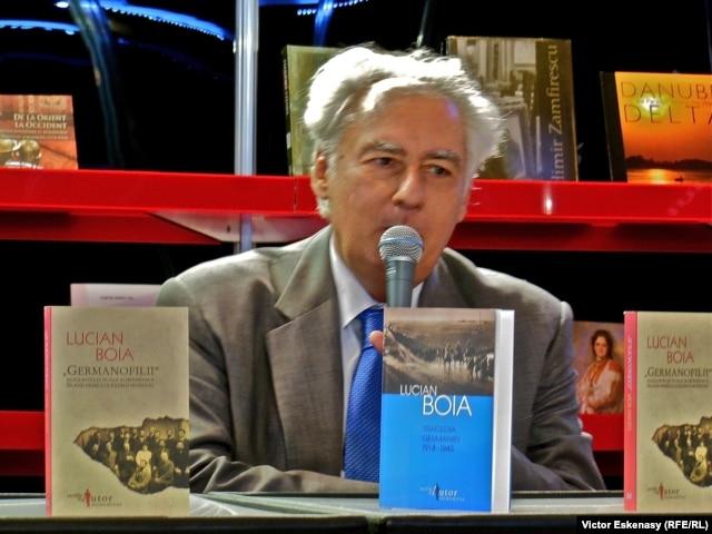 Prof. Lucian Boia, la Tîrgul internațional de carte de la Frankfurt în octombrie 2012