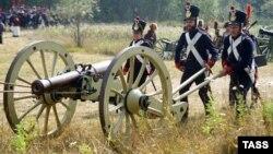 Ежегодно осенью в Бородино проходит реконструкция сражения в войне 1812 года