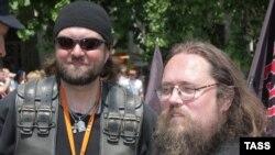 Андрей Кураев и один из окормляемых им байкеров