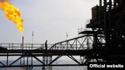 یک سکوی نفتی ایران در خلیج فارس