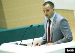 Юрист Константин Добрынин
