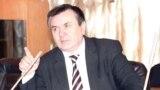 Филология фанлари номзоди, доцент Раҳимбой Жуманиёзов.