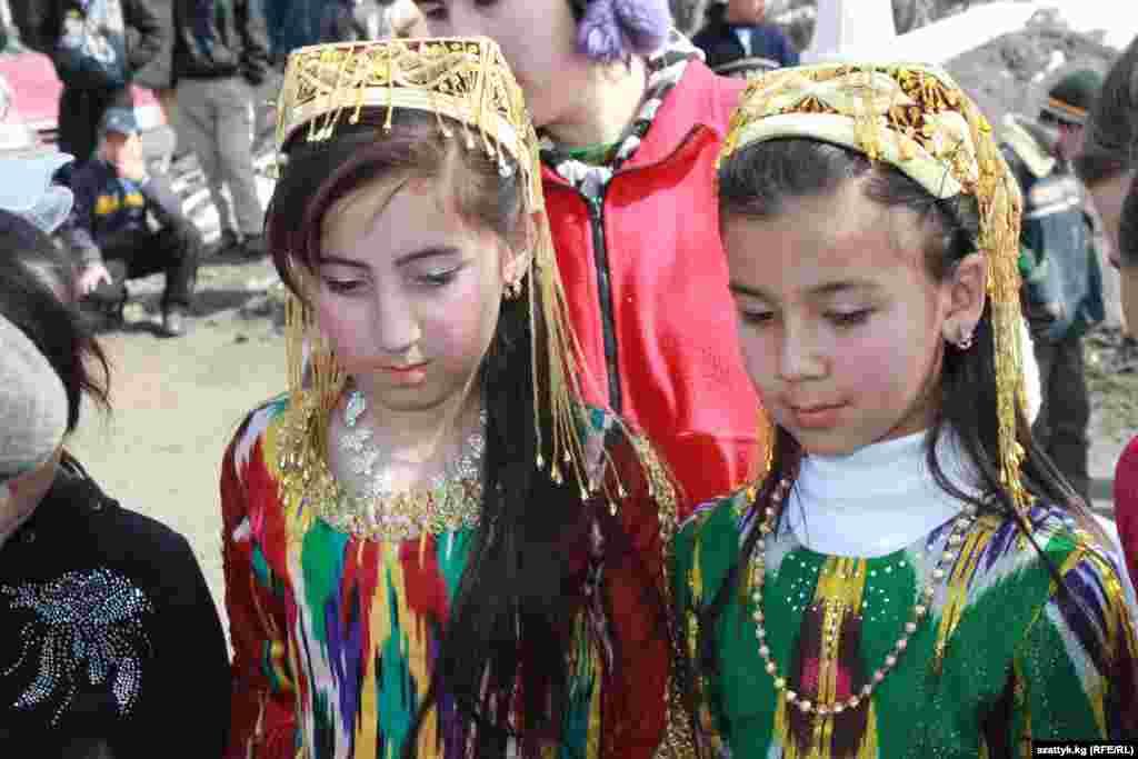 Для детей ошских Черемушек организовали праздник в честь Нооруза.