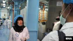کریستین امان پو یکی از خبرنگارانی بود که از تاسیسات هسته ای اصفهان بازدید کرد.