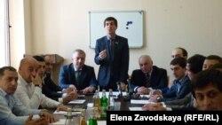 Сегодня все 26 депутатов Сухумского горсобрания приняли участие в утверждении кандидатуры Адгура Харазия на пост мэра