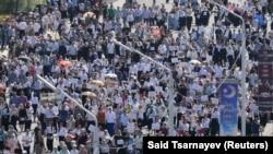 Рохинжаларды колдоо боюнча Грозныйдагы демонстрация. 4-сентябрь, 2017-жыл.
