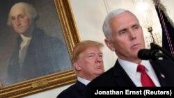 Majk Pens i Donald Tramp