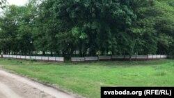 Могілкі ў Моладава з новай агароджай