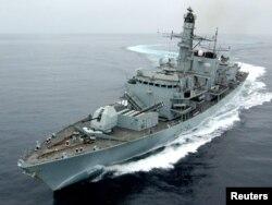 """Британский фрегат """"Montrose"""" в Оманском заливе"""