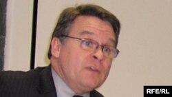 Хельсинки комиссиясының (АҚШ) төрағасы, конгрессмен Кристофер Смит.