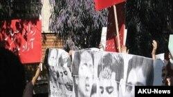 احسان منصوری، احمد قصابان و مجيد توکلی در دادگاه تجديد نظر به ترتيب به بيست و دو، بيست و شش و سی ماه زندان محکوم شده اند.