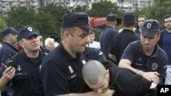 Policija Srbije u akciji, ilustracija