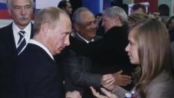 """Лицом к событию. Борис Якеменко: """"Исчезает связь между лидером нации Путиным и людьми"""""""