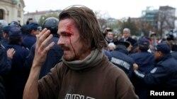 Софиядагы тополоңдо жаракат алган митингчи, 12-ноябрь, 2013