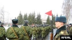 В русской армии всех времен солдат не могли обеспечить сапогами, которые были бы им по ноге