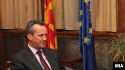 претседателот на Собранието на РМ Трајко Вељаноски