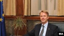 шефот на делегација на ЕУ во Македонија Аиво Орав