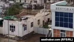 Последствия пронесшегося над Лебапской областью урагана.