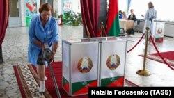 Беларустагы президенттик шайлоонун сүртүмдөрү