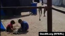 Дети гражданок Узбекистана, оказавшихся в рядах ИГИЛ. Лагерь «Родж», июнь 2019 года.