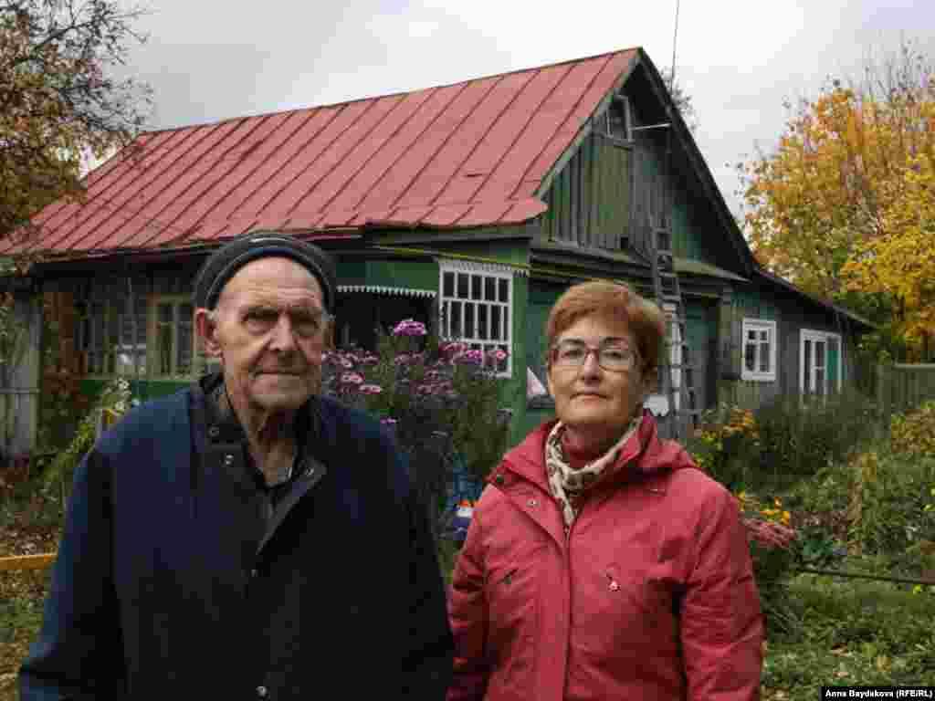 Дочь Наталья Николаевна помогает отцу добиваться жилья