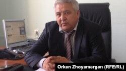 Марат Атабаев, Шортанды ауданы әкімінің орынбасары. Ақмола облысы, Шортанды ауданы, 30 шілде 2013 жыл.