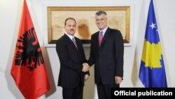 Kryeministri i Kosovës, Hashim Thaçi, dhe presidenti i Shqipërisë, Bujar Nishani, Prishtinë 30 gusht 2012